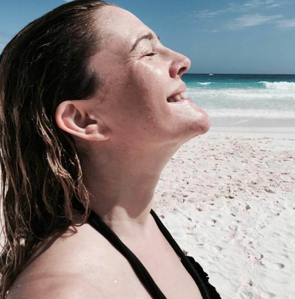 <strong>AVSLAPPET:</strong> I slutten av februar markerte Drew Barrymore 40-årsdagen sin med dette flotte, sminkefrie Instagram-bildet. Foto: Stella Pictures