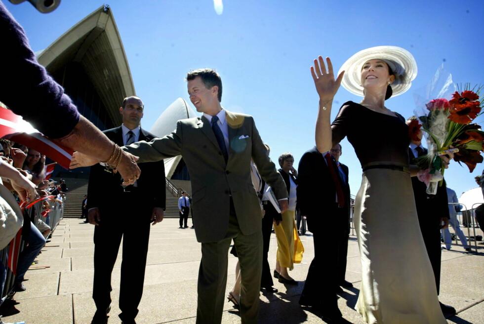 2005: Australia er kronprinsesse Marys hjemland, og det danske kronprinsparet tok selvsagt turen innom Sydney Opera House under sitt besøk. Foto: REX/Nathan Edwards/Newspix/All O