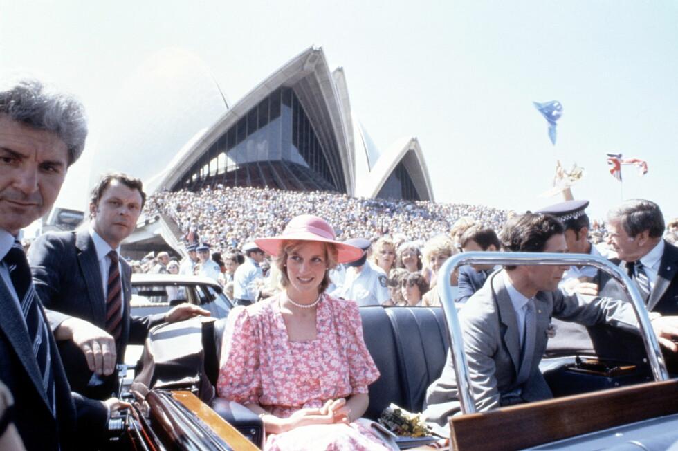1983: Da prinsesse Diana og prins Charles besøkte Sydney i 1983 var folk gått man av huse for å få et glimt av den vakre prinsessen. Foto: REX/JOHN SHELLEY/All Over Press