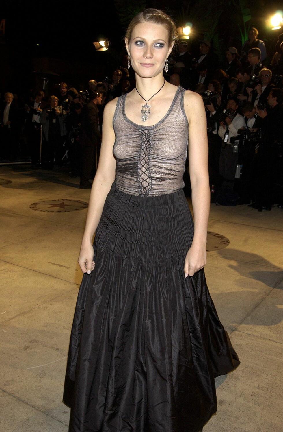 I 2002: Denne Alexander McQueen-kjolen til Gwyneth Paltrow hadde en katastrofal styling, som for alltid har sikret henne en plass på «verst kledd på Oscar»-listene.  Foto: Richard Young/REX/All Over Press
