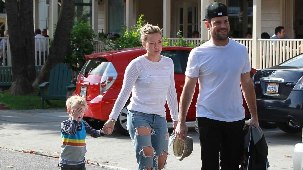 SKILLES: Hilary Duff og Mike Comrie har sønnen Luca sammen. Nå skal de skilles.  Foto: MediaPunch/REX/All Over Press