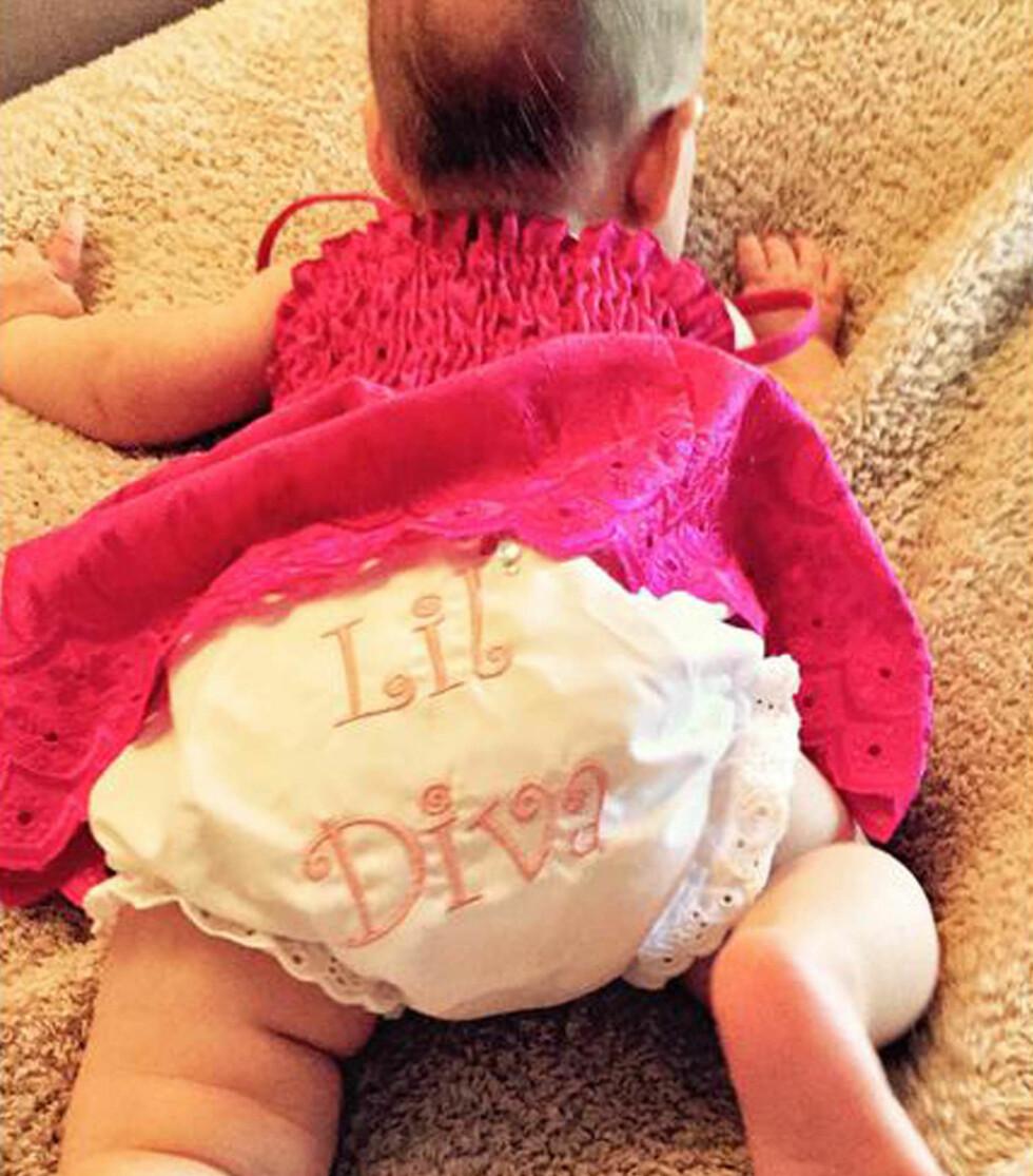 BABY AGUILERA: Dette bildet delte av datteren Summer Rain delte Christina Aguilera på Instagram.  Foto: Stella Pictures