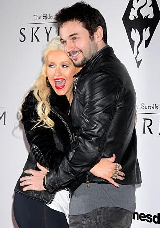FORLOVEDEN: Christina og Rutler forlovet seg 14. februar i fjor. Han brukte over et år på designe forlovelsesringen.  Foto: Stella Pictures