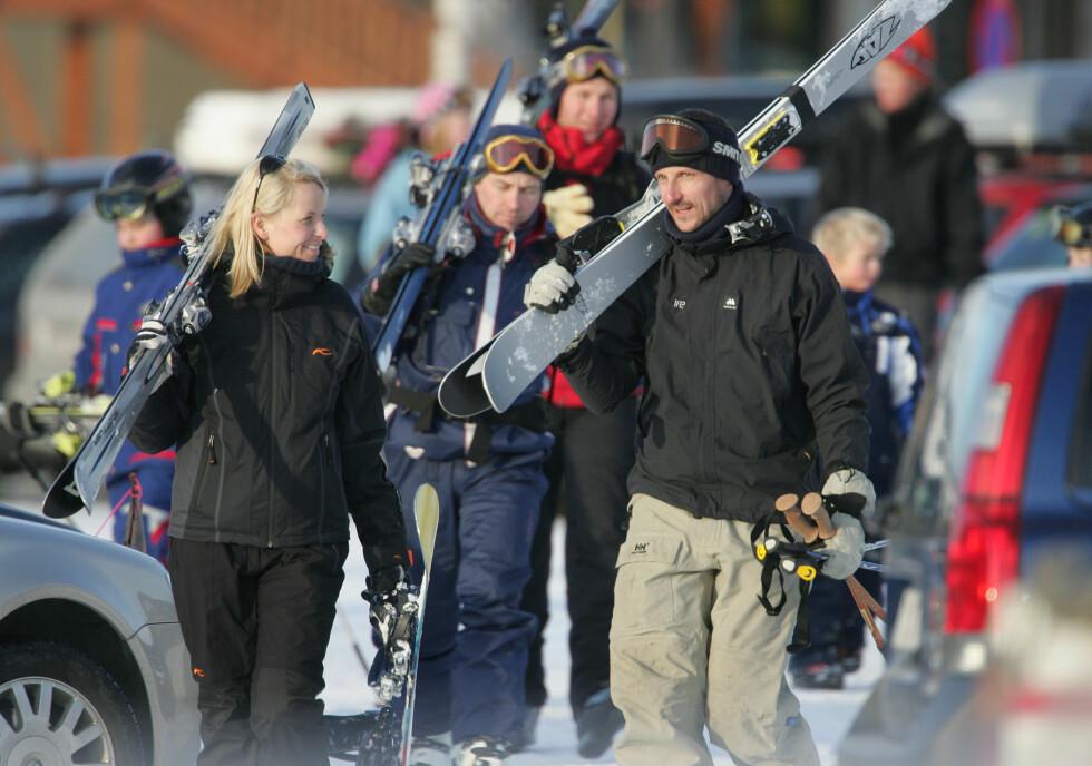 <strong>I NORGE:</strong> Kronprinsfamilien har også feriert på en rekke norske vintersportsteder. Her er de på Hafjell i 2005. Foto: Se og Hør