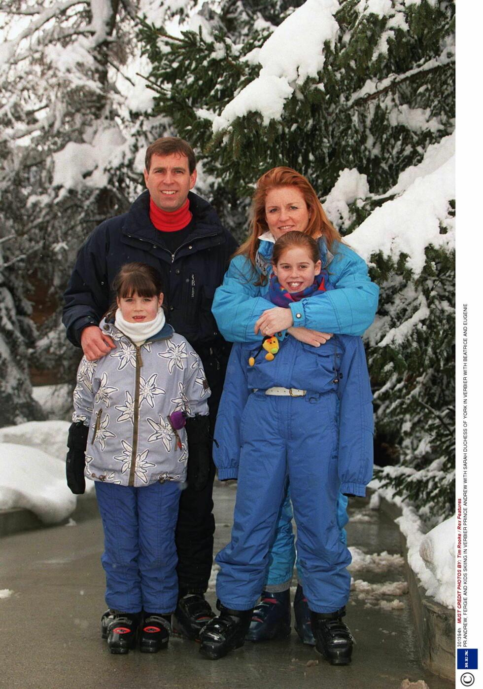 <strong>SAMMEN OM ALT:</strong> Senest i romjula var prins Andrew, eks-kona Sarah og deres to døtre sammen i Verbier. Her fra samme sted i 1999.     / ALL OVER PRESS Foto: All Over Press