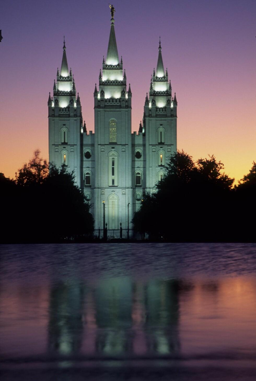 ATTRAKSJON: Temple Square, her Salt Lake Temple i solnedgang, er det aller mest populære turistmålet i hele Utah. Foto: IMAGO/ All Over Press