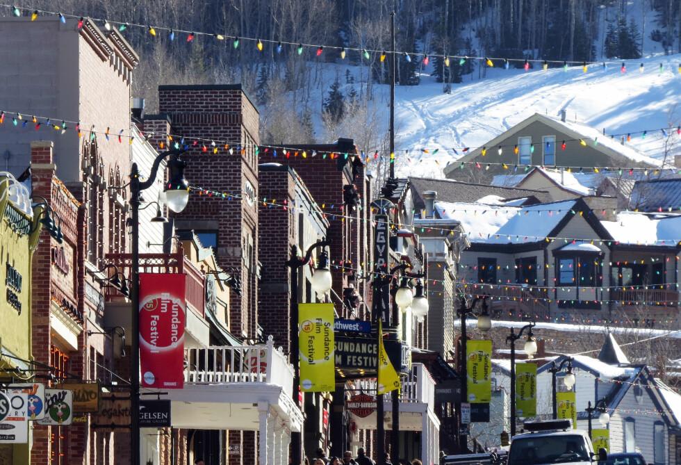 PITTORESK: Utenom filmfestivalen huser Park City i Utah i underkant av 10.000 innbyggere. Men i januar måned pleier stjernene å strømme til byen for å delta på Sundance. Foto: Splash News/ All Over Press
