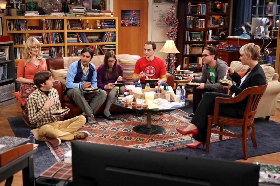 SUKSESSKVELD: Gjengen i The Big Bang Theory vant to priser under People's Choice Awards. I tillegg fikk Kaley prisen for beste komi-skuespillerinne. Foto: All Over Press