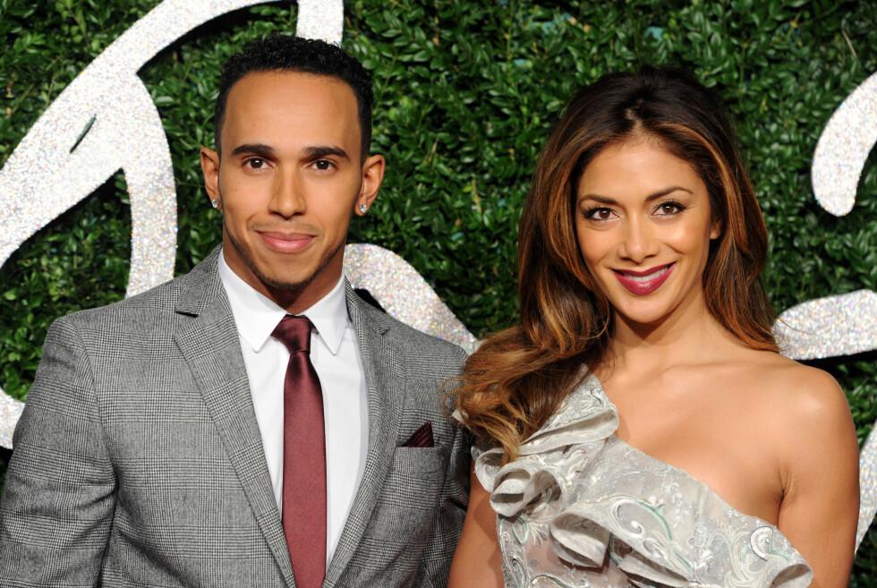 <strong>LYKKELIG:</strong> Nicole strålte sammen med kjæresten Lewis Hamilton på British Fashion Awards i London den 1. desember 2014. Bulimien er i dag et tilbakelagt kapittel. Foto: Stella Pictures