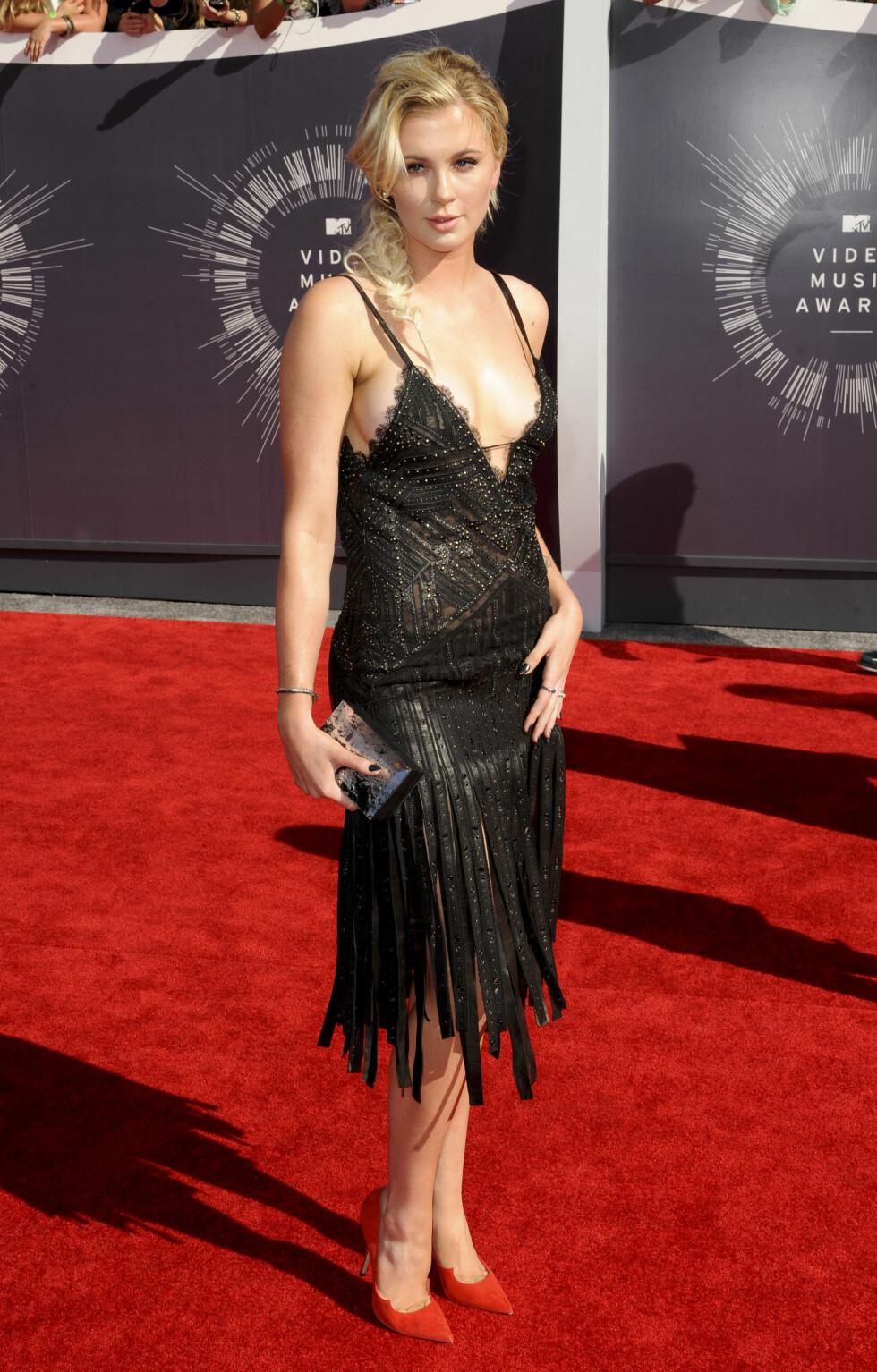 SEXY: Ireland Baldwins Roberto Cavalli-kjole avslørte det meste på MTV Video Music Awards i slutten av august. Antrekket sikret henne kun en toer på terningen fra skeptiske lesere. Foto: REX/Picture Perfect/All Over Press