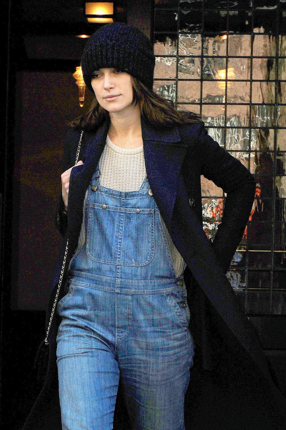 I VIDE KLÆR: Knightley har den siste tiden vist seg i mer løstsittende klær enn til vanlig. Foto: All Over Press
