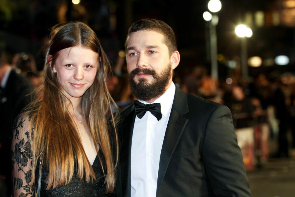 PÅ RØD LØPER: Shia LaBeouf med kjæresten Mia Goth på London-premieren av hans siste film Fury. Foto: REX/Richard Young/All Over Press