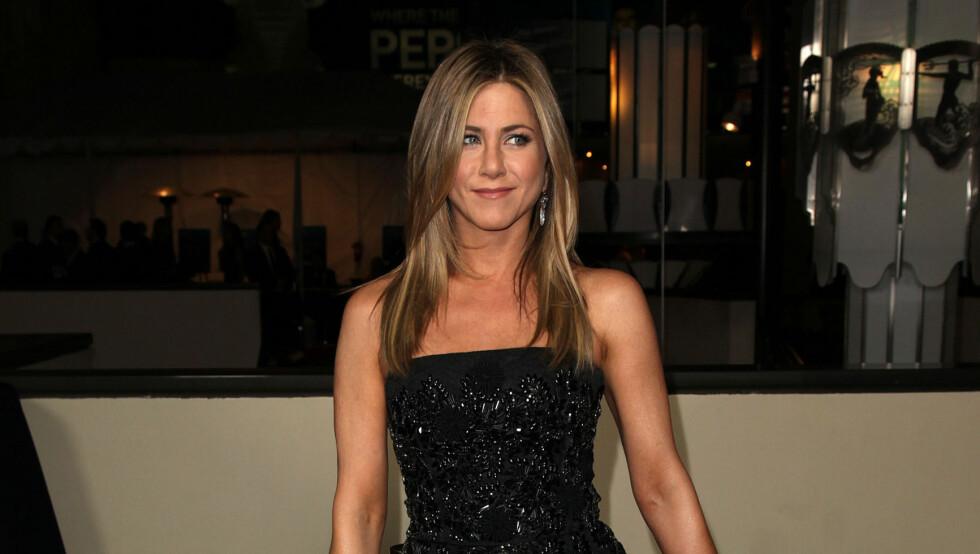 SETTER FOTEN NED: Jennifer Aniston ønsker å eldes med verdighet og kunne ønske flere av venninnene hennes ville gjøre det samme. Foto: Stella Pictures