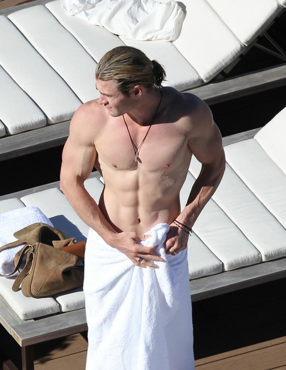 TRENT: Chris Hemsworth viste frem sin stramme kropp da han var i Sydney.  Foto: Grey Wasp/Blue Wasp/Splash News/ All Over Press