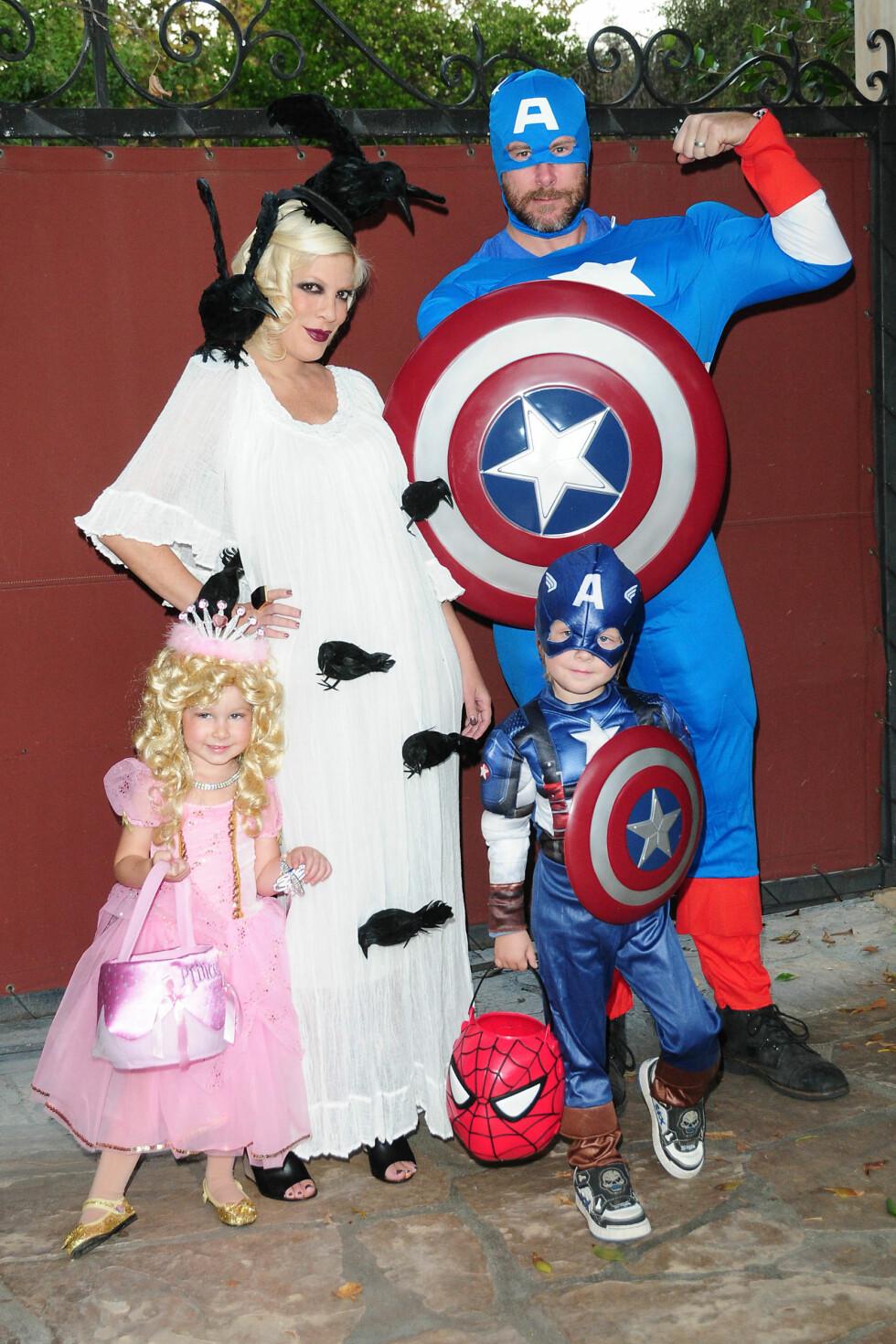 SUPERHELTER: To år senere i 2011, var det superhelt og prinsesse-tema hos den samme familien. Foto: ALL OVER PRESS