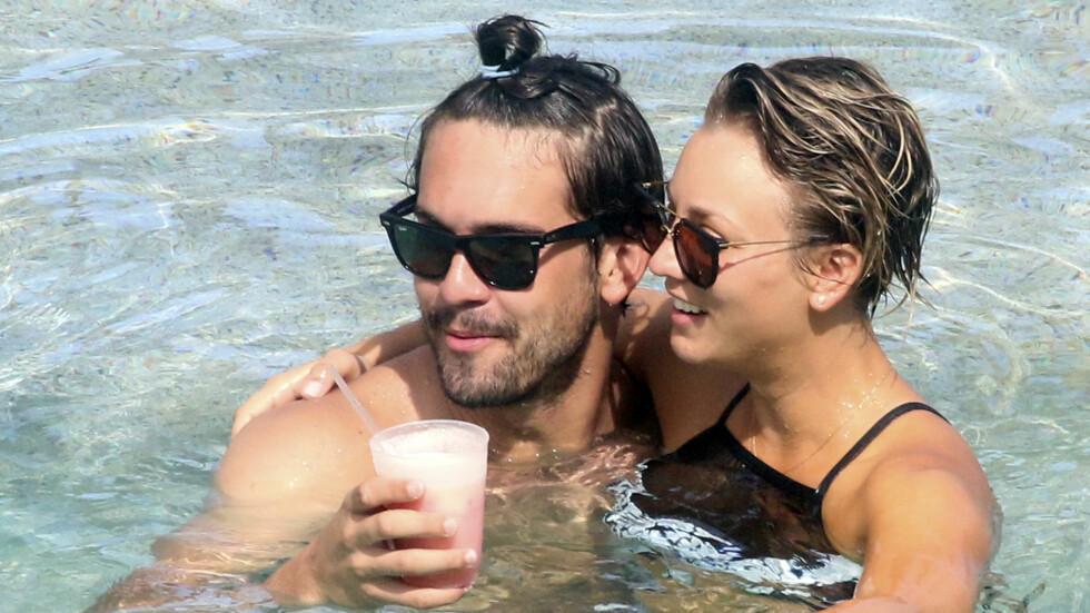 NYGIFT: Kaley Cuoco er stormende forelsket i ektemannen Ryan Sweeting, men sier hun aldri kommer til å sende ham nakenbilder på mobilen igjen etter hackingskandalen. Foto: All Over Press