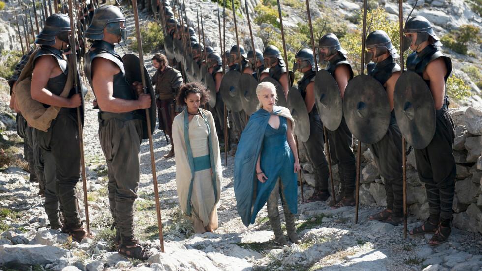 EKSTREMT POPULÆR: Game of Thrones er en av verdens mest populære TV-serier. Da produksjonen i Spania trengte 600 statister, var det 86.000 søkere. Foto: All Over Press