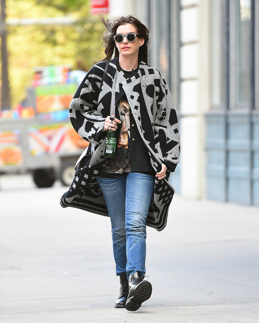 LEI: Anne Hathaway er lei av å bli kalt uegnet for sexy roller.  Foto: Splash News/ All Over Press