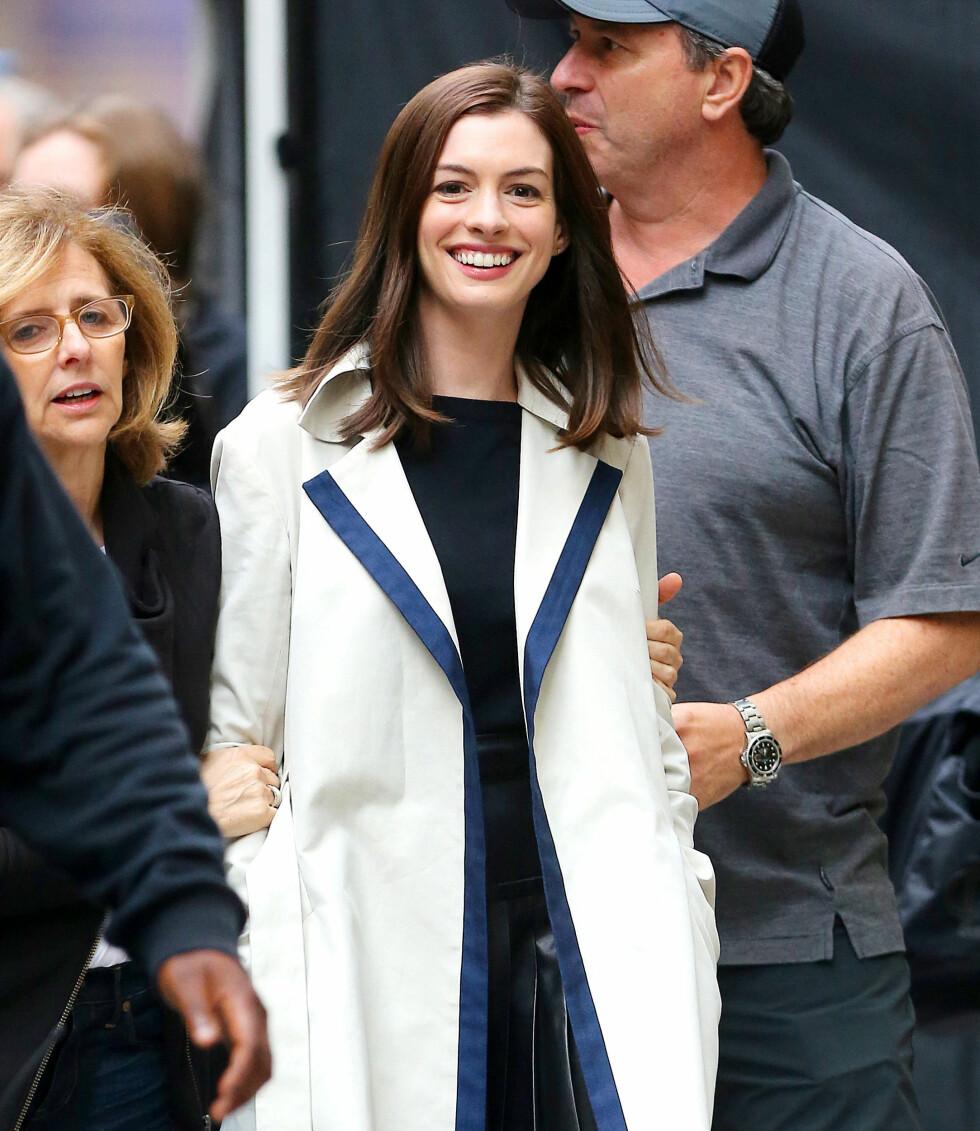 ROLLE: Anne Hathaway får kritikk for å virke kunstig.  Foto: XactpiX/Splash News/ All Over Press
