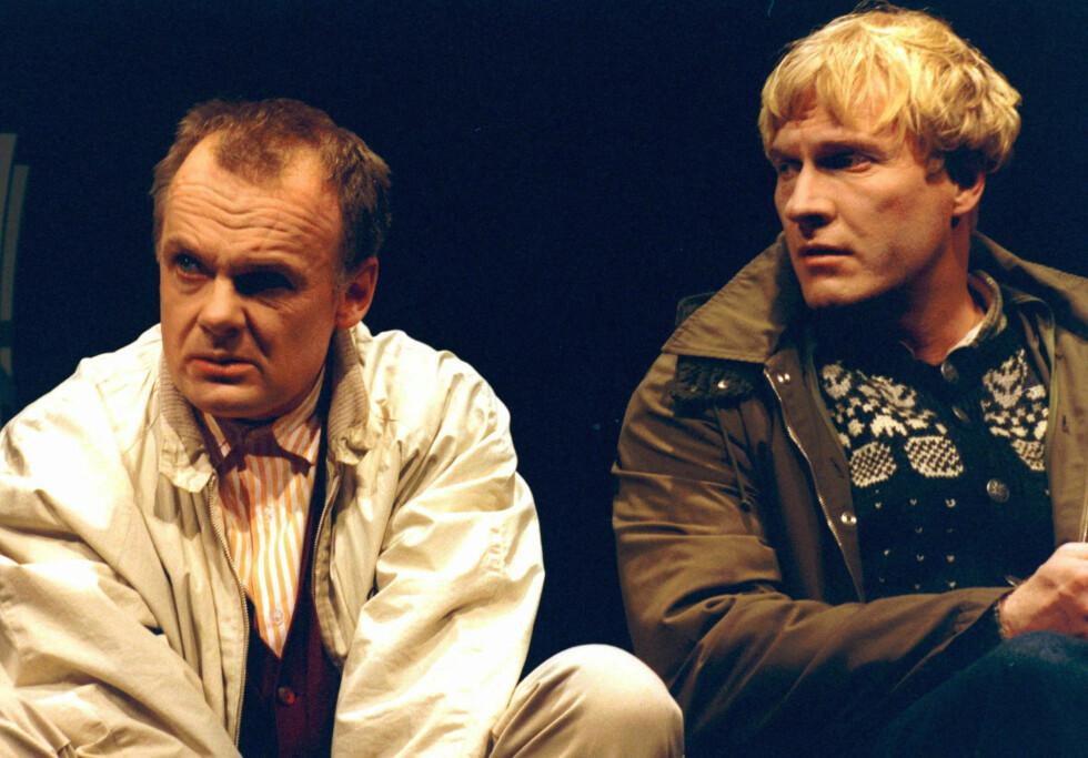 """2002: Per Chr. Ellefsen som Elling og Sven Nordin som Kjell Bjarne fra teaterversjonen av """"Elling."""" Foto: NTB scanpix"""