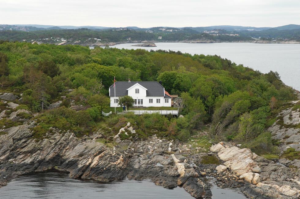 SOMMERIDYLL: Kronprinsparet har tilbragt mesteparten av sommeren på Dvergsøya utenfor Kristiansand. Foto: Anders Martinsen fotografer