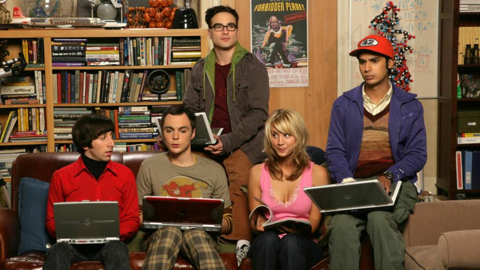 OVER OG UT: «Big Bang Theory»-stjernene truer med å forlate serien, dersom de ikke får høyere lønn.