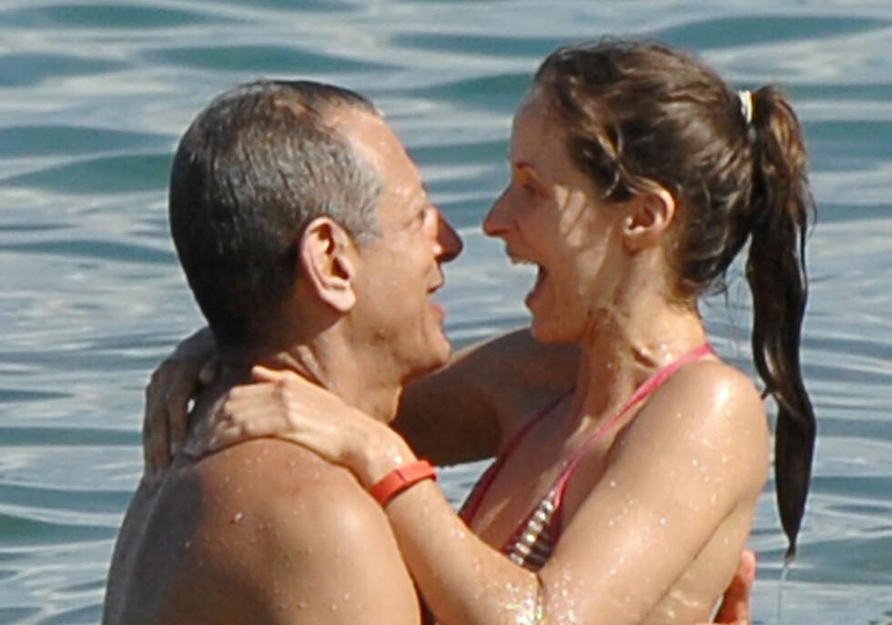 ALOHA: Jeff og Emilie fikk ikke nok av hverandre på Hawaii. Foto: Stella Pictures