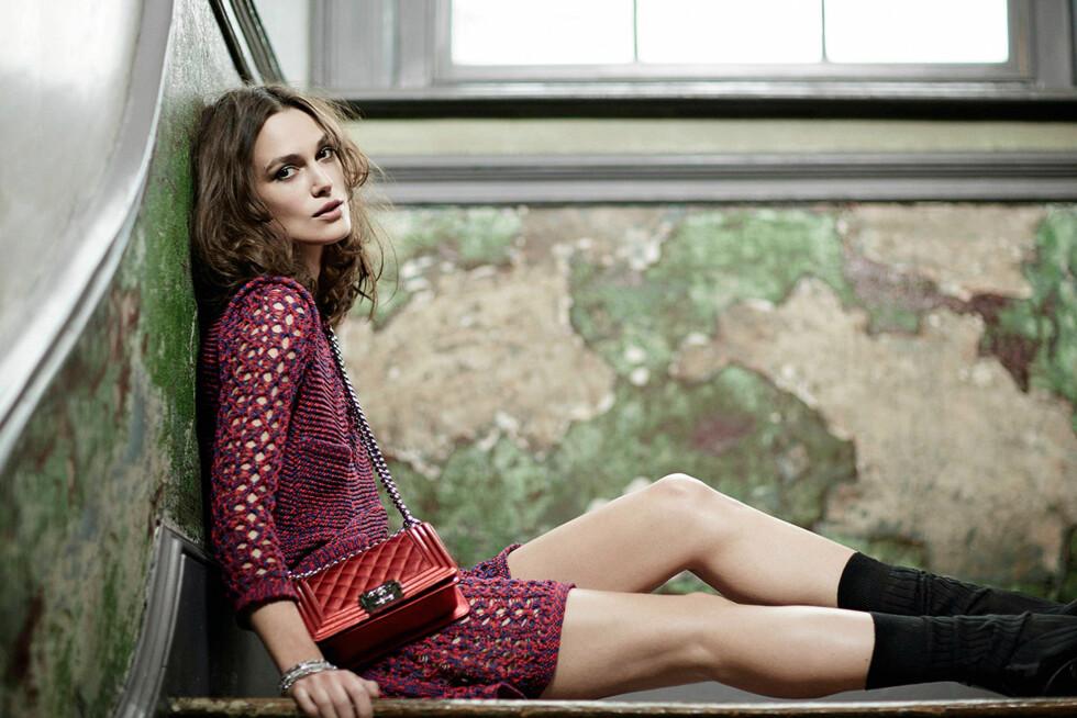 DUFTAKTUELL: Knightley er også for tiden aktuell som frontfigur for en av Chanels dufter. Her i en reklamekampanje for merket. Foto: Stella Pictures