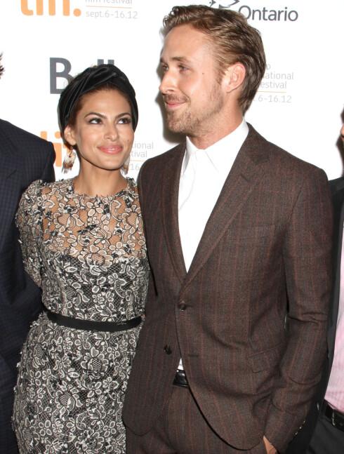 LYKKELIG: Siden 2011 har Gosling vært kjæreste med syv år eldre Eva Mendes.