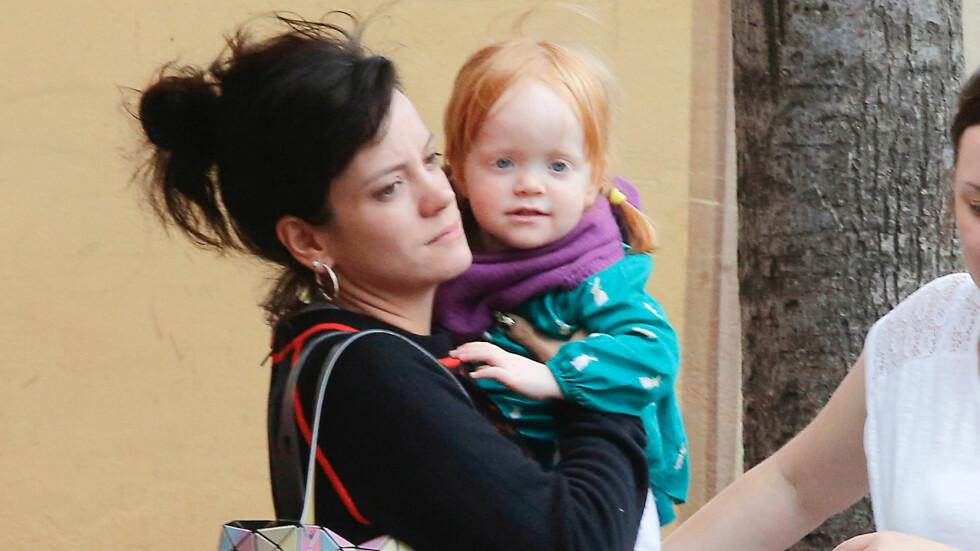 FRYKTET FOR LIVET TIL DATTEREN: Lily Allens datter Ethel måtte få mat gjennom et rør i åtte måneder. Hun ble rammet av laryngomalacia, som er en tilstand der luftveiene blir blokkert. Foto: All Over Press