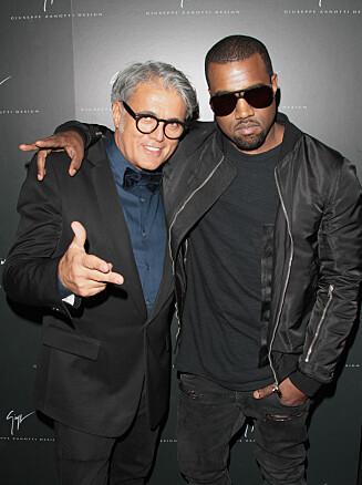 <strong>KOLLEGAER:</strong> Kanye West har designet sko med Giuseppe Zanotti (t.v.). Foto: All Over Press