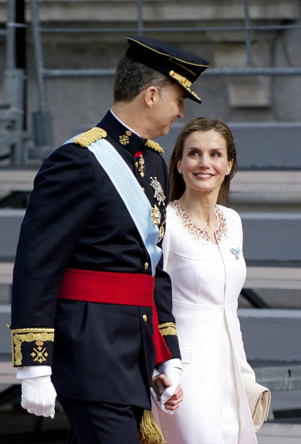 ENDELIG: Kjærligheten stråler i øynene til det nye kongeparet. Foto: All Over