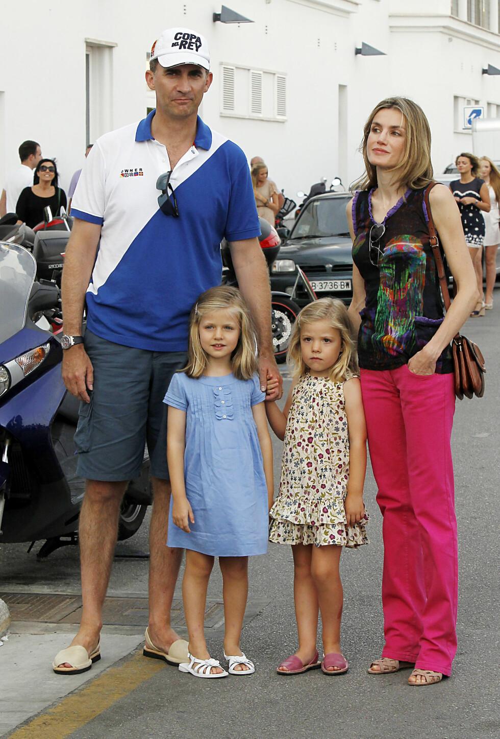 DEN NYE KONGEFAMILIEN: Felipe, Letizia og barna Sofa (7) og Leonor (8). Foto: Stella Pictures