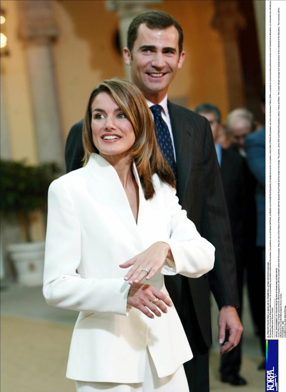 VISTE FRAM RINGEN: Her er Letizia og Felipe - helt nyforlovet. Foto: All Over