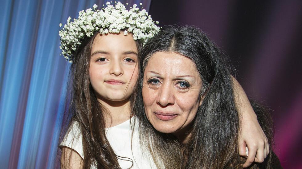 NÆRT FORHOLD: Bestemor Mery Zamani skjønte tidlig at det bor en stor stjerne i barnebarnet.   Foto: Tor Lindseth