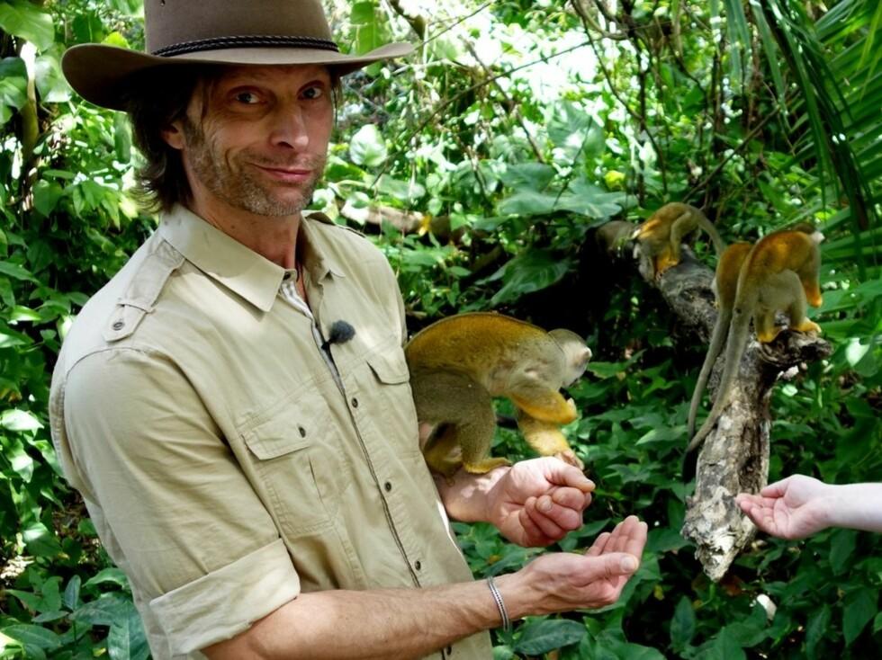 VERDEN RUNDT: Ola-Conny har fått reise verden rundt for å lage TV, etter at han først viste seg fram i serien Ullared. Foto: TVNorge