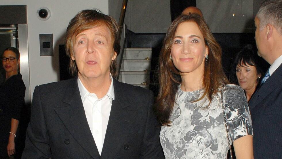 TRENGER HVILE: Sir Paul McCartneys kone Nancy Shevell er sammen med musikeren på sykehuset. Foto: All Over Press