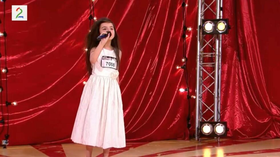 IMPONERTE: Norske Angelina vekker oppsikt verden rundt for sin vakre sang på «Norske Talenter». Foto: TV 2