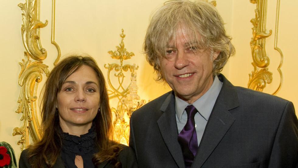 FRIDDE: Etter 18 år gikk Bob Geldof ned på kne og fridde til samboeren Jeanne Marine. Hun er ifølge Jerry Hall fra seg av lykke over frieriet. Foto: Stella Pictures