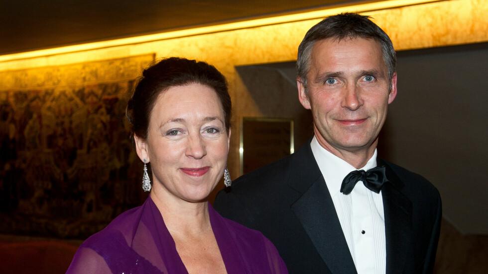 FLOTT PAR: Jens Stoltenberg og Ingrid Schulerud møttes på Oslo Katedralskole da de var 17 år. Paret giftet seg i august 1987, og har to barn sammen. Her fra fredspris-banketten i 2010. Foto: Stella Pictures