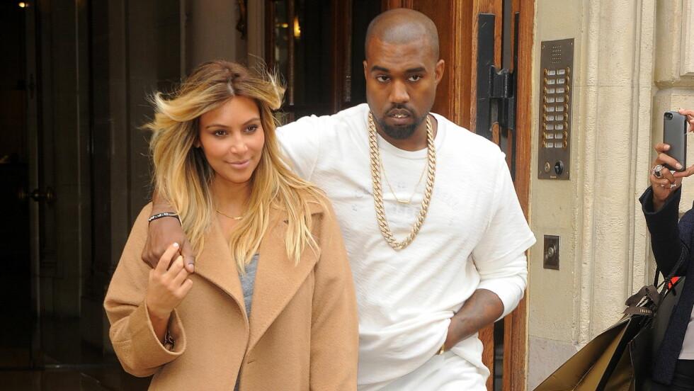 STILLER KRAV: Kanye West vil ikke at forloveden skal operere utseendet. Nå skal han ha bedt henne signere en kontrakt før bryllupet. Foto: TGB / Splash News/ All Over Pres