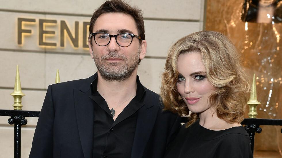 BLIR FORELDRE: Jean-David Blanc og Melissa George til stede ved åpningen av den eksklusive veskebutikken Fendi i Paris i juli.