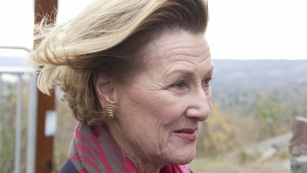 I VINDEN: Dronning Sonja skal holde tale på kvinnedagen. Trolig kommer hun også inn på sin personlige kamp for å bli akseptert på Slottet.