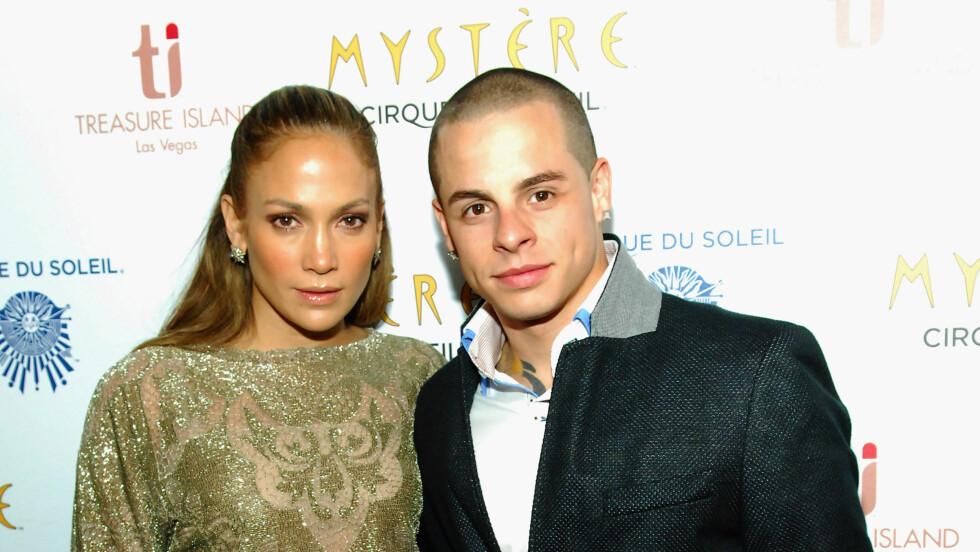 LEI SEG: Jennifer Lopez fortviler over ryktene om at hun oppfører seg som en diva. Her med sin 18 år yngre kjæreste Casper Smart.