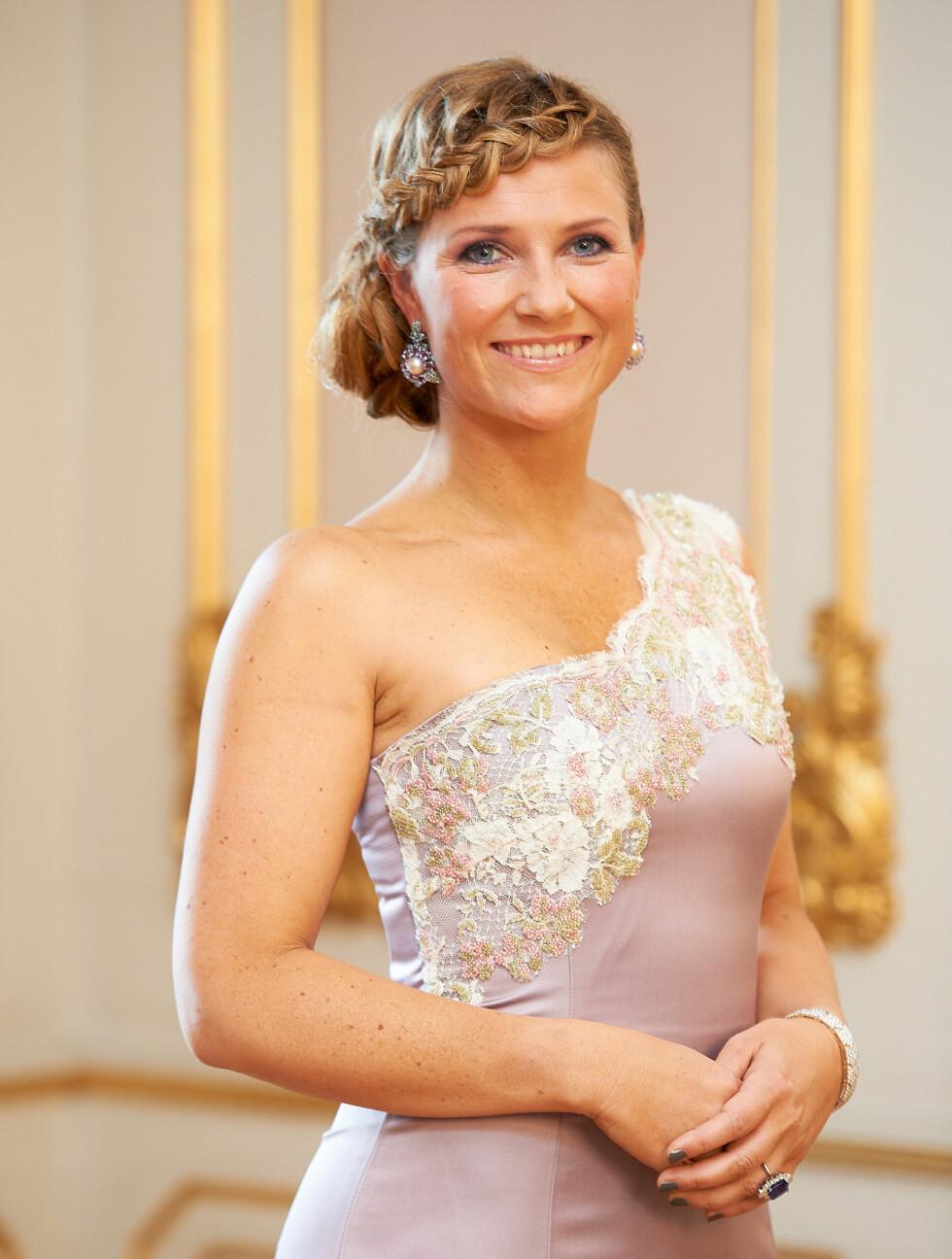 FLOTT: Prinsesse Märtha Louise har fått mye skryt for sin stil hjemme i Norge. I Sverige mener folket hun er verst kledd. Foto: Stella Pictures