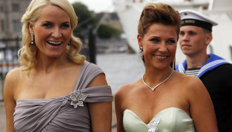 PÅ BUNN: Kronprinsesse Mette-Marit, og prinsesse Märtha kommer på sisteplass i svenskenes kåring over de flotteste rojale kvinnene i Skandinavia. Foto: SCANPIX
