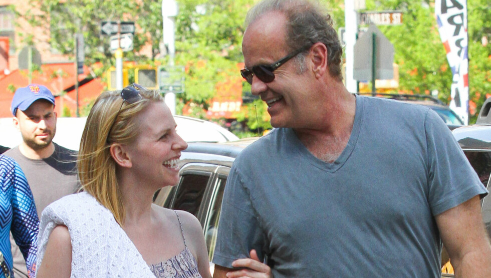 FORNYET BRYLLUPSLØFTENE: Kelsey Grammer er glad i bryllup. Lørdag fornyet han bryllupsløftene med sin fjerde kone Kayte Walsh, i Las Vegas. Foto: Fame Flynet Norway