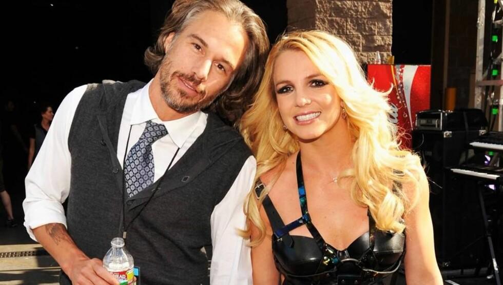 KJÆRESTE, MANAGER OG VERGE: Jason Trawick har nå full styring over Britney Spears' liv, etter at hennes far har sagt seg villig til å dele vergeretten med ham. Foto: All Over Press