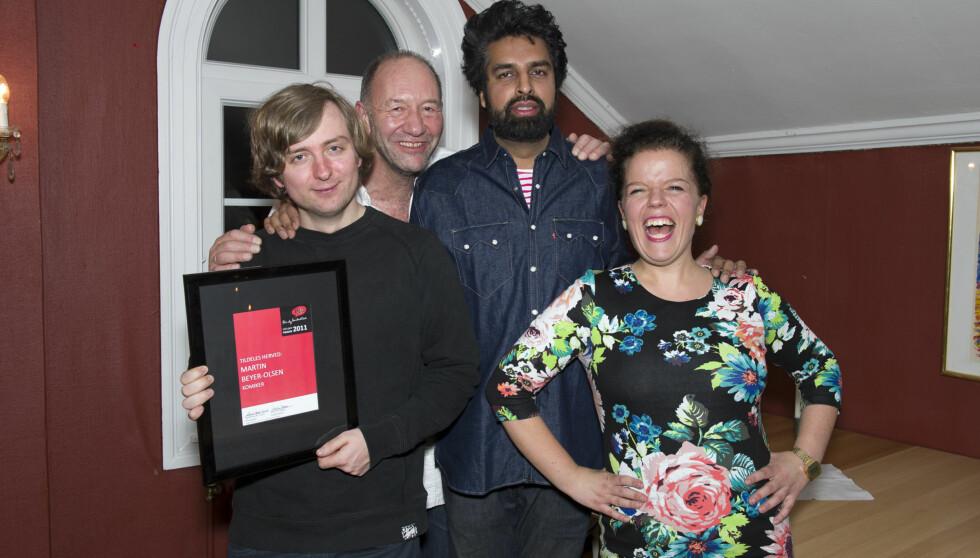 I STORSLAG: Martin Beyer-Olsen (f.v.) synes det var stor stas å vinne årets Stå opp-pris. Jånni Kristiansen, Zahid Ali og Else Kåss var også nominerte, men var enige i at Martin var en verdig vinner. Foto: Geir Egil Skog/Se og Hør