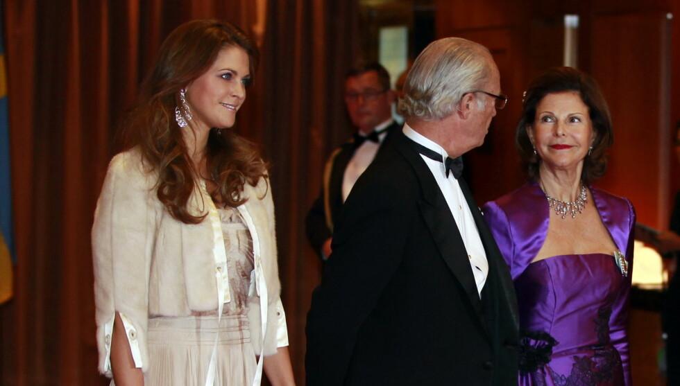 UTE I KULDEN: Prinsesse Madeleines valg gjør at både kongefamilien og det svenske folk vender henne ryggen.  Foto: Scanpix